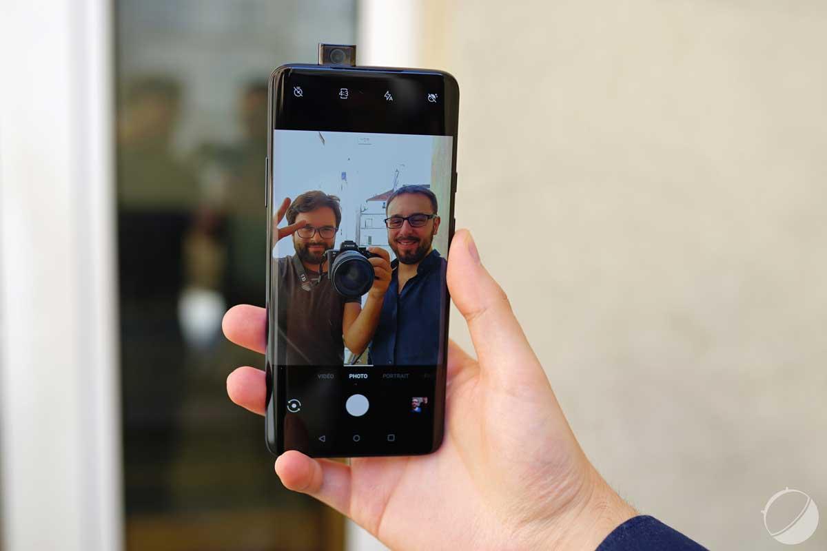 OnePlus 7 Pro : pourquoi pas un trou dans l'écran ? Le PDG s'explique