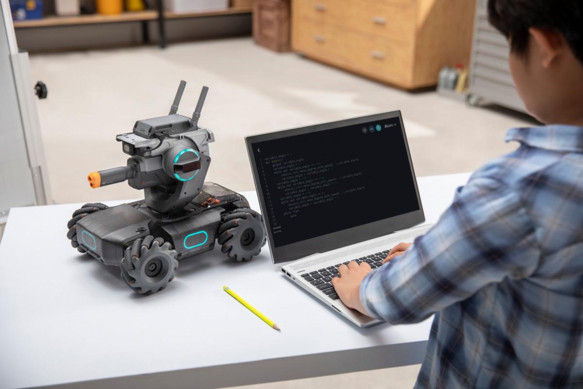 DJI RoboMaster S1 : il ressemble à un robot sentinelle mais c'est un robot pour apprendre