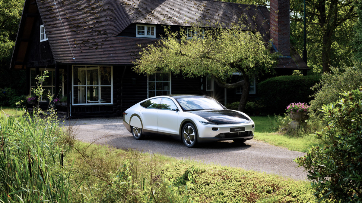 Lightyear One : nos photos de l'auto électrique qui se recharge au soleil