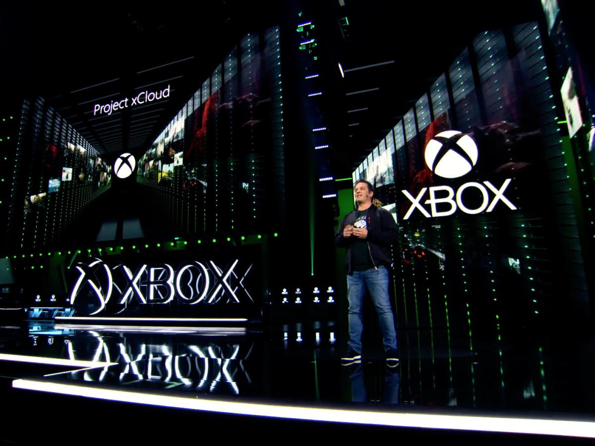 Phil Spencer, le patron de Xbox, sur la scène du Galen Center lors de la conférence de l'E3 2019