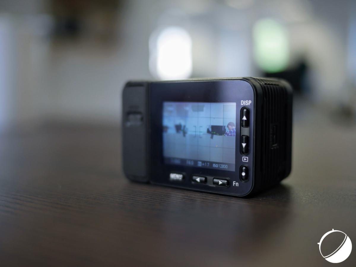 Les boutons de navigation de la Sony RX0 II