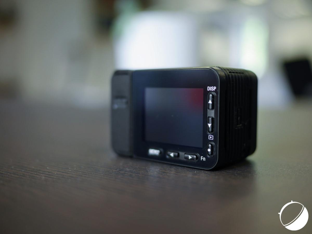 Les boutons et l'écran de la Sony RX0 II