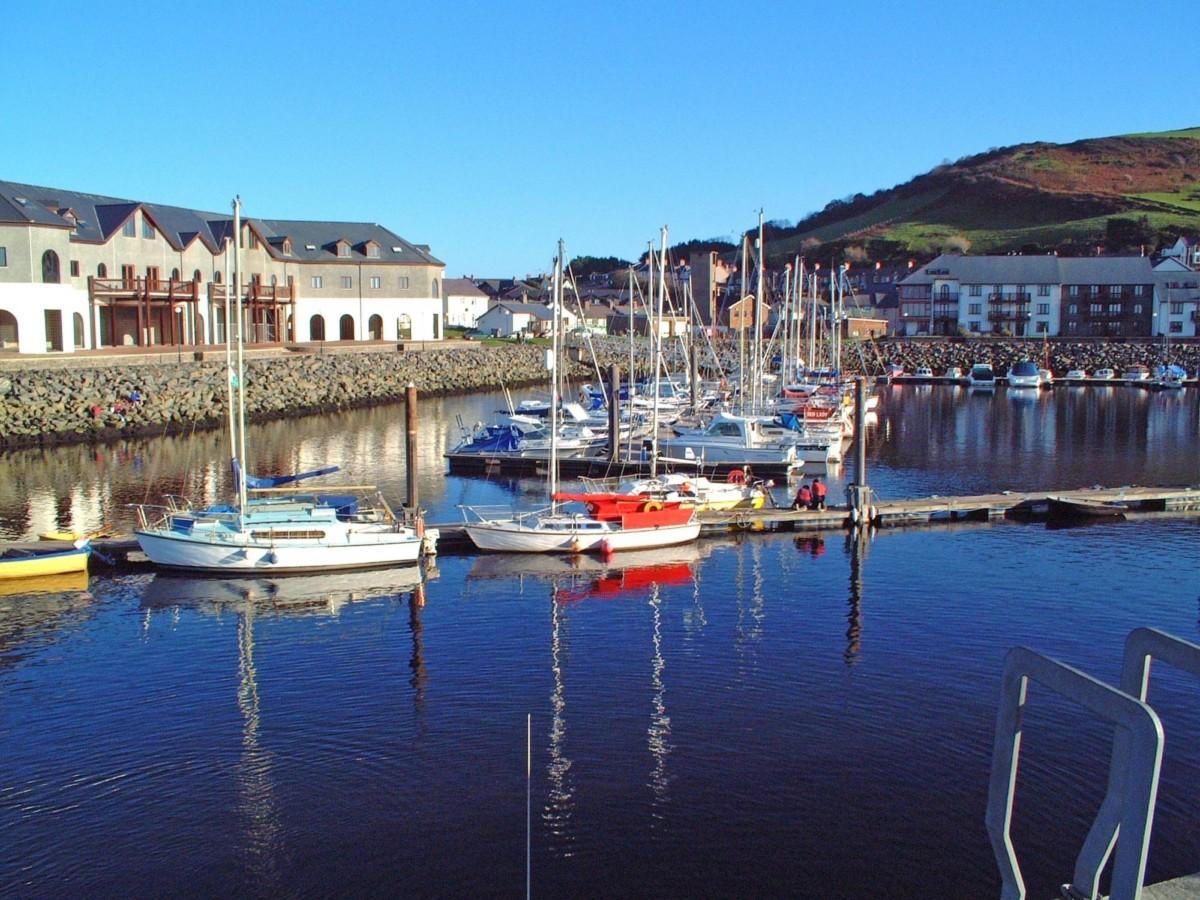 Le petit port de pêche d'Aberystwyth au Pays de Galles.