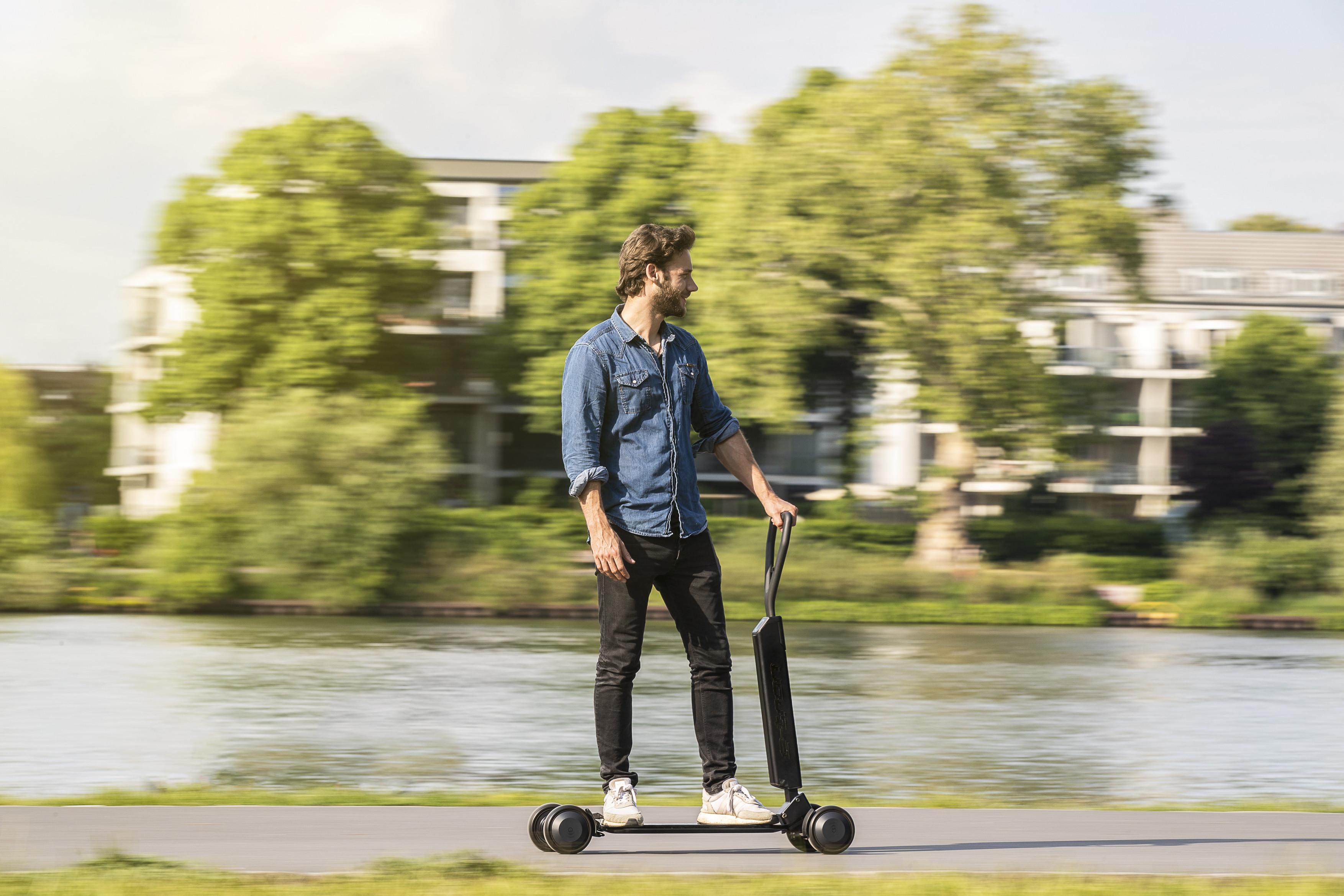▷ Audi E-Tron Scooter, un hybride entre skate et trottinette