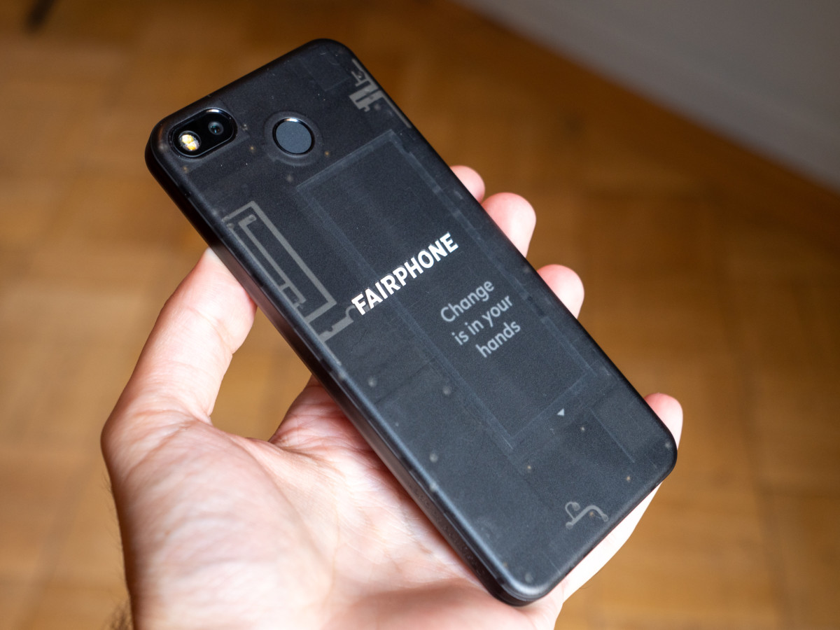 Fairphone 3 : iFixit salue sa réparabilité à toute épreuve