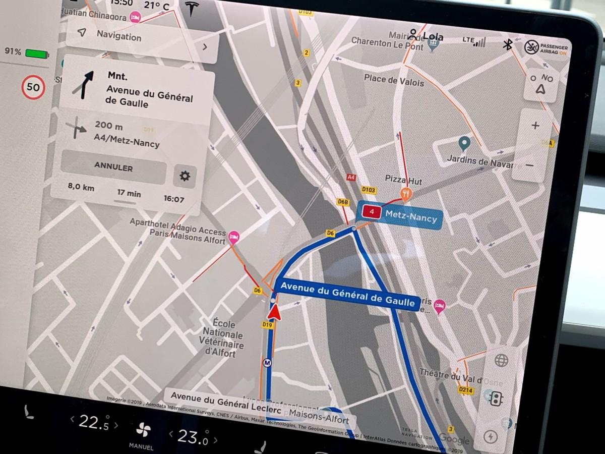 img 1108 1200x900 - O Tesla Mannequin 3 é um objeto tecnológico: descubra sua interface e seus gadgets - FrAndroid