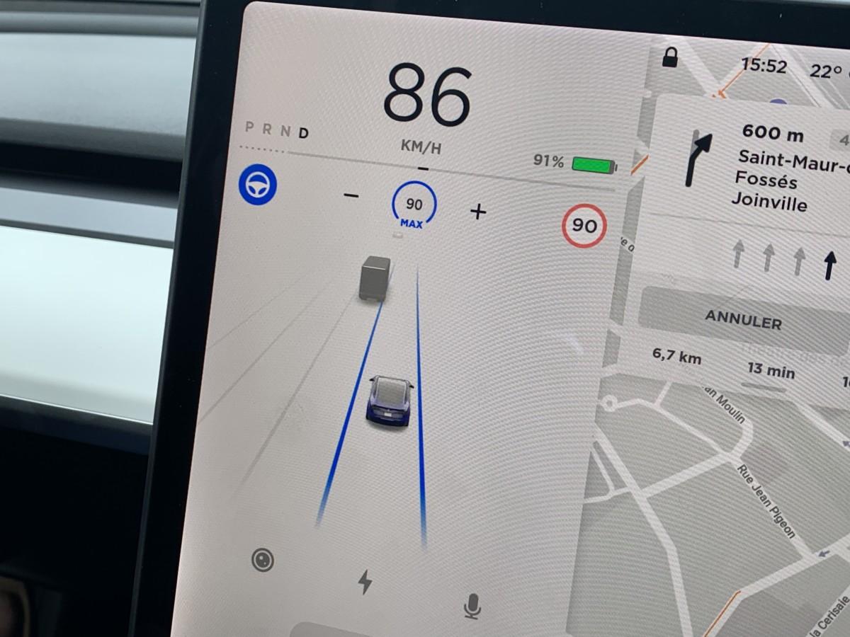 img 1117 1200x900 - O Tesla Mannequin 3 é um objeto tecnológico: descubra sua interface e seus gadgets - FrAndroid