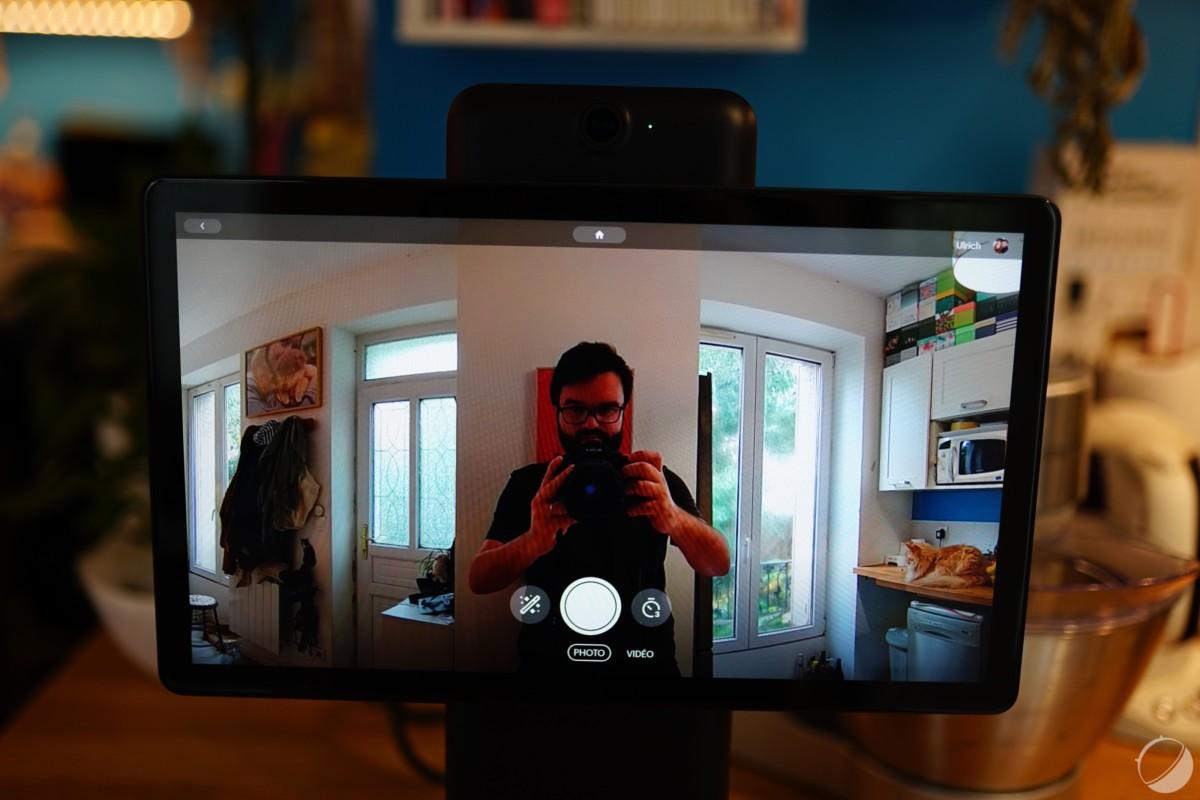 Le champ de vision très large de la caméra