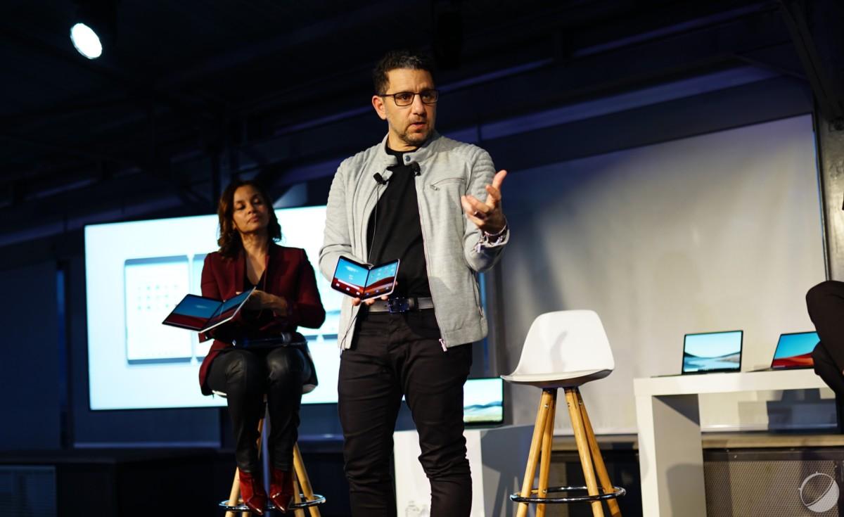 Panos Panay lors d'un événement Surface