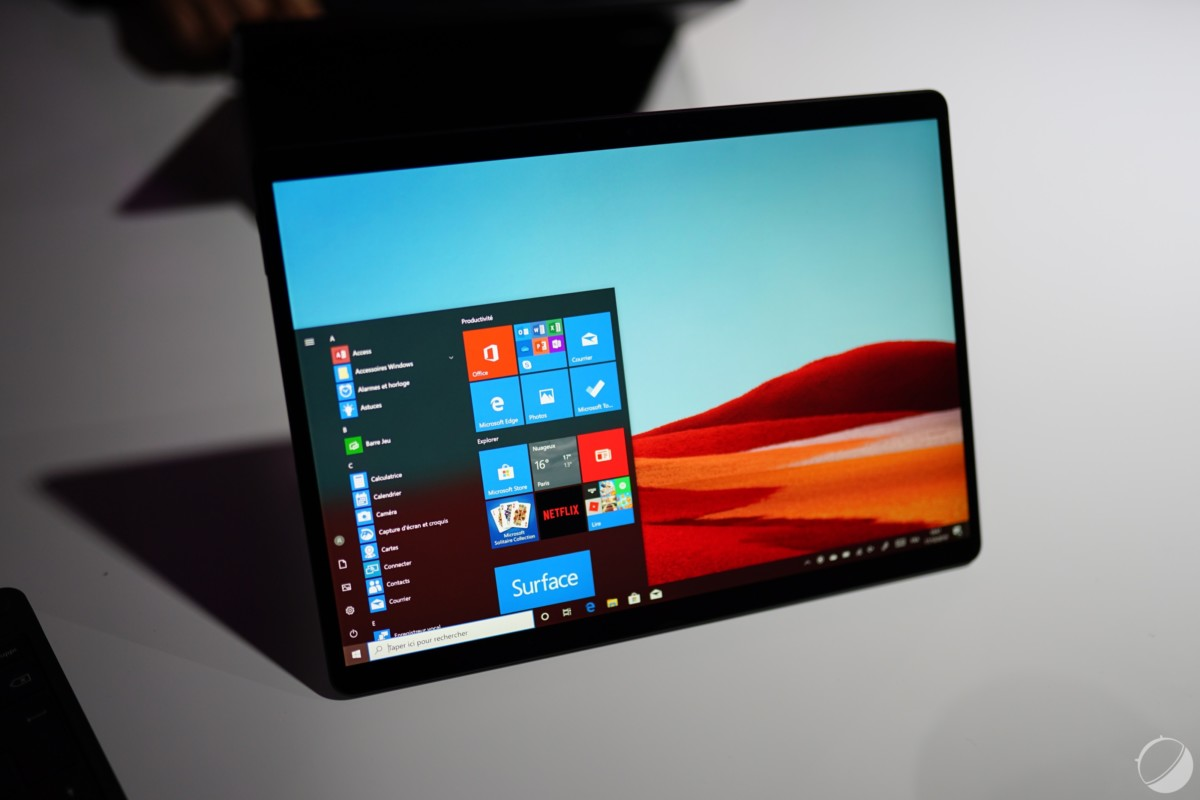 Microsoft et Qualcomm veulent encourager le portage d'applications sur Windows pour ARM. Ici la Surface Pro X, pour illustration