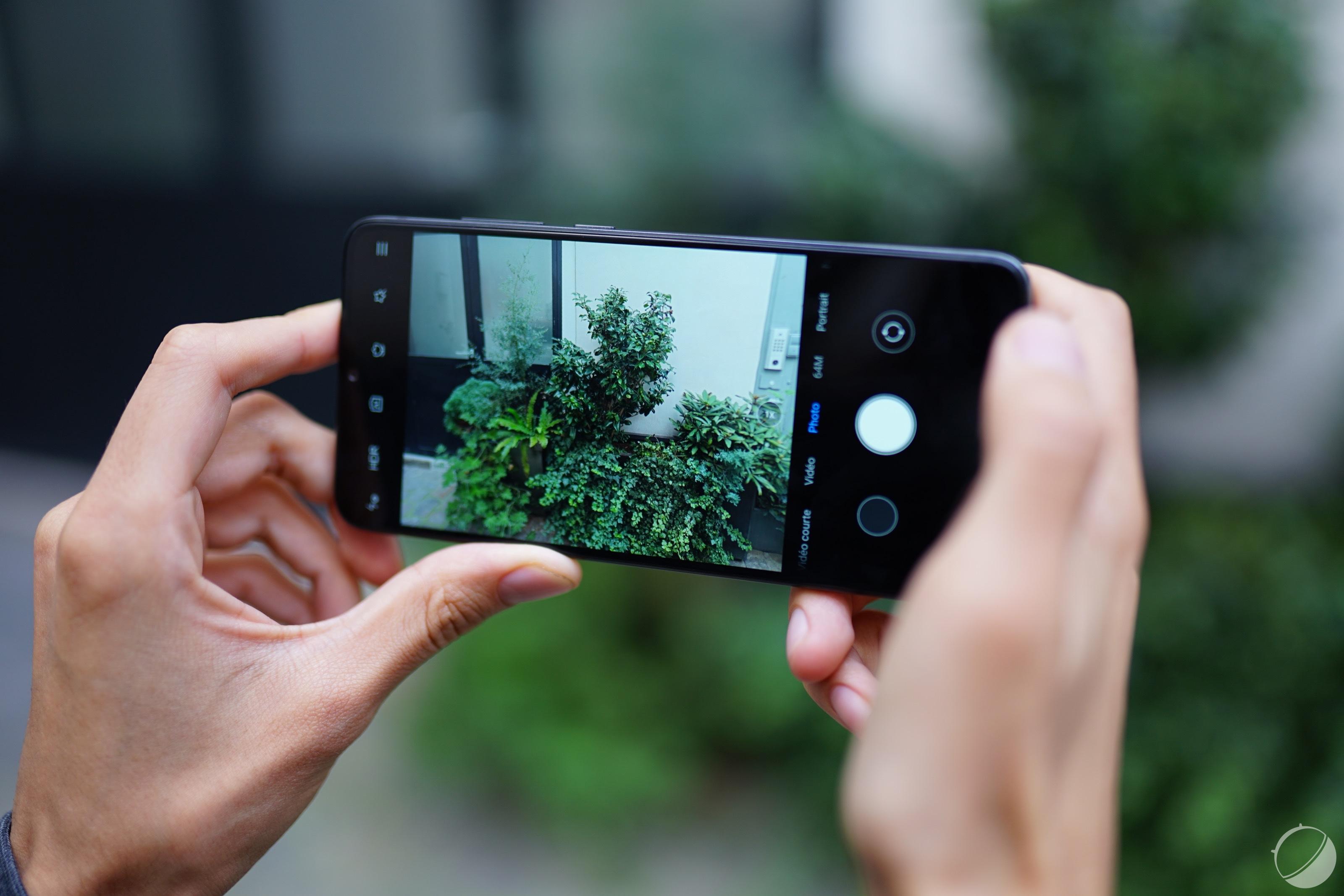 Le Redmi Note8 Pro a un triple appareil photo au dos