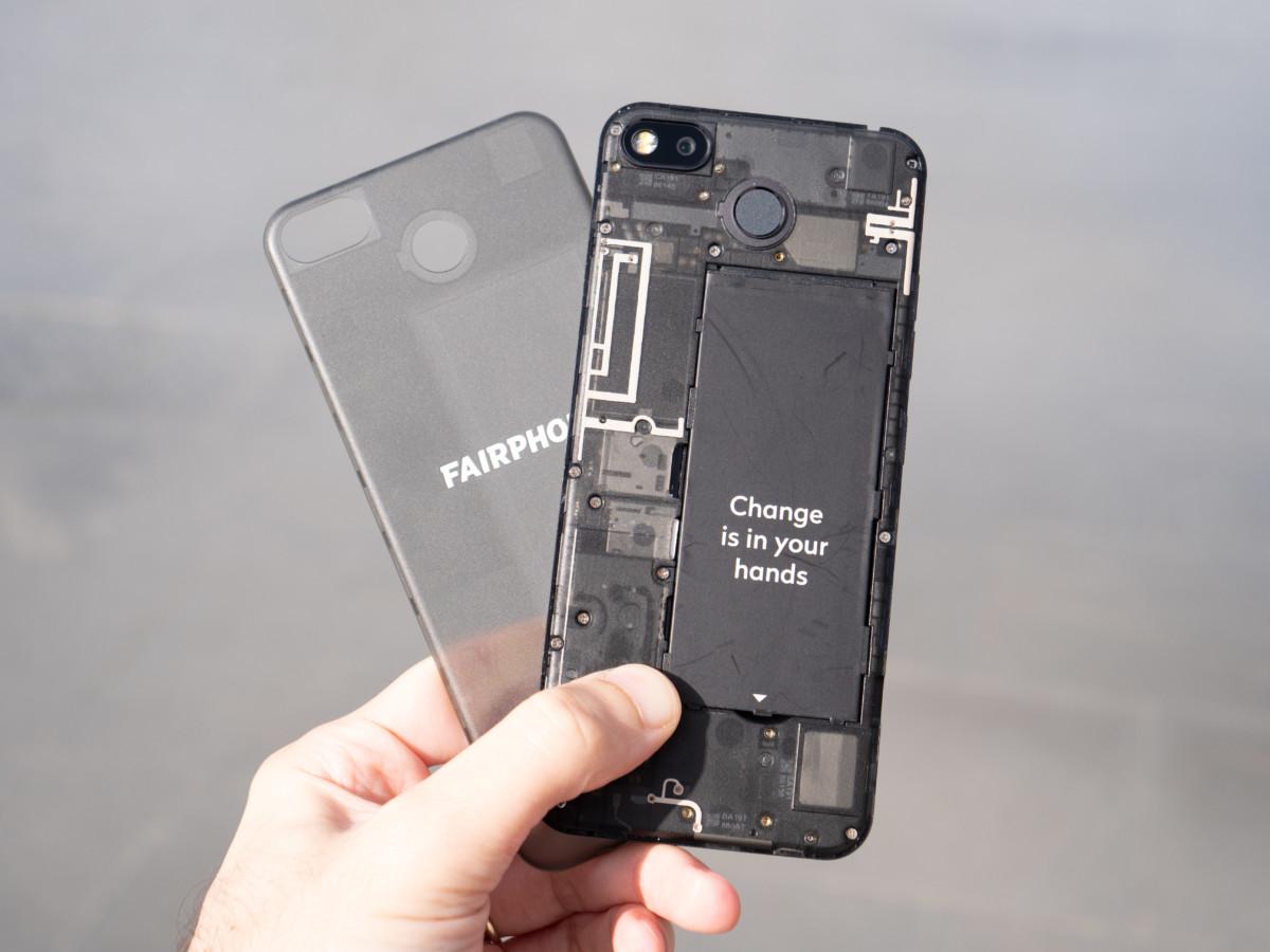 Le Fairphone3, conçu pour être facilement réparable