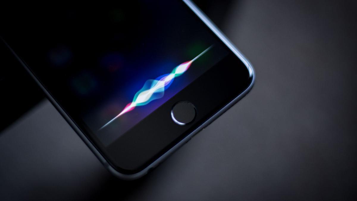 Éviter les déclenchements intempestifs en permettant à Siri de mesurer votre intérêt, c'est visiblement l'objectif d'Apple.