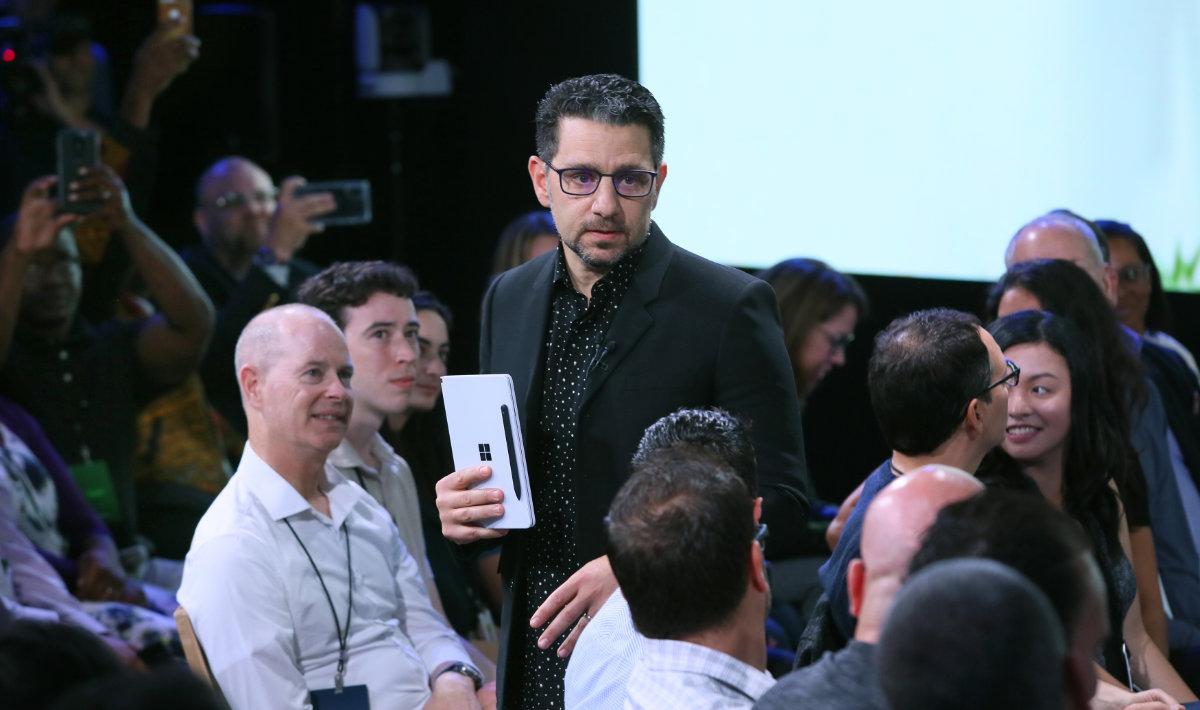 Panos Panay lors de la présentation des Surface Neo et Duo. Crédit: Microsoft