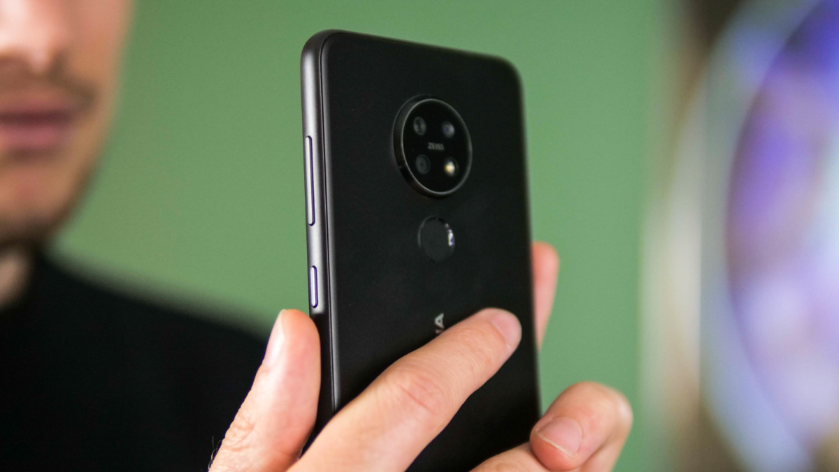 Une LED de notification se trouve sous le bouton de mise en marche du Nokia 7.2.