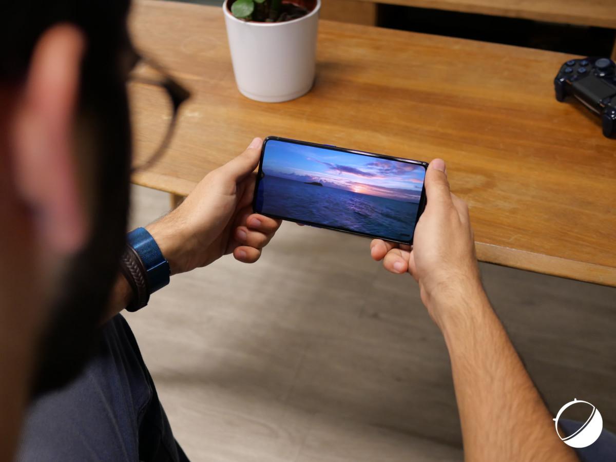 Un bel écran pour le Realme X2 Pro