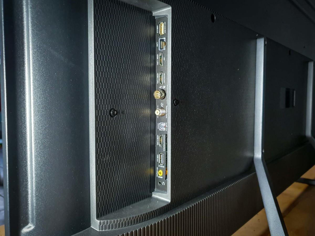 La connectique de ce téléviseur est assez classique