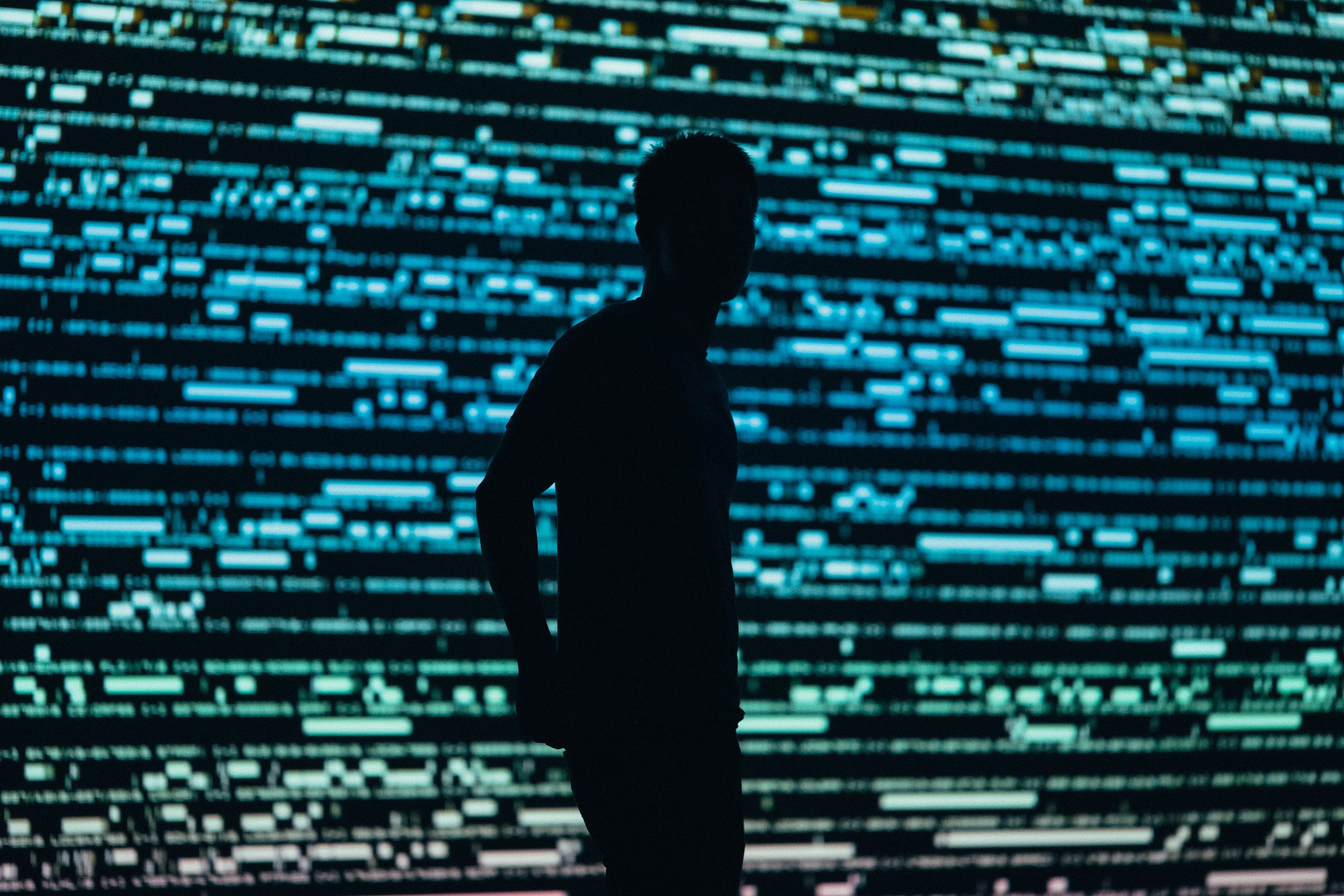 VIDÉO. Les Émirats accusés d'utiliser une messagerie gratuite à des fins d'espionnage