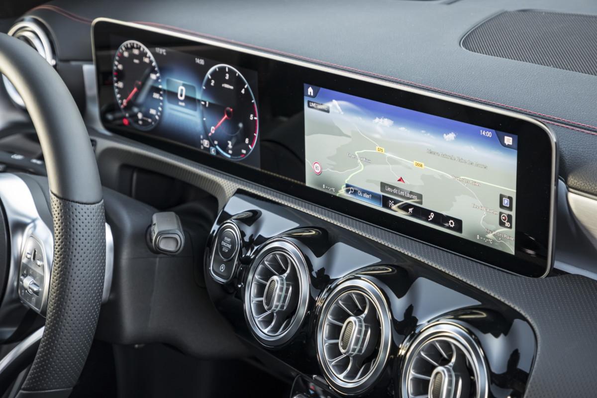 Le système embarqué MBUX tel qu'il se présente au sein de la nouvelle Mercedes CLA Shooting Brake.