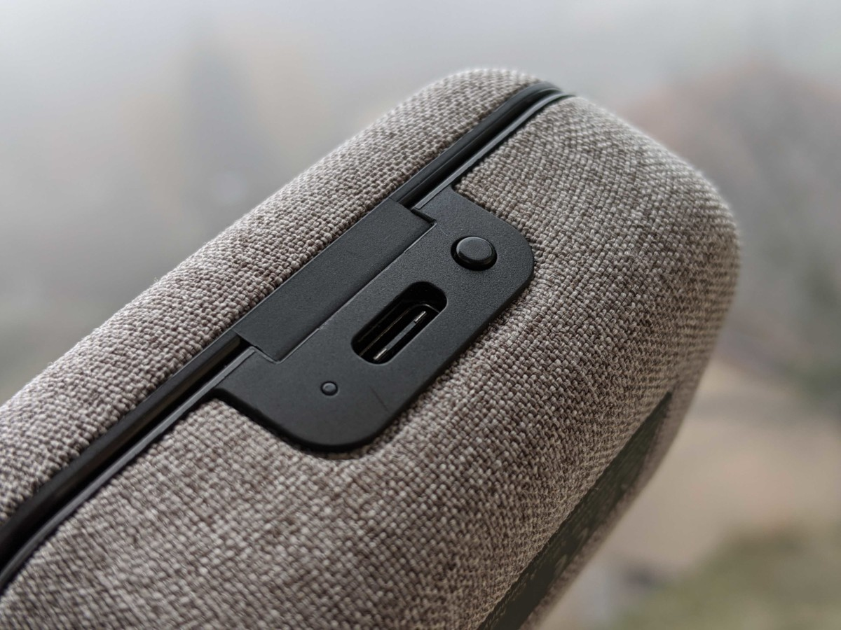 Le port USB-C de l'étui de recharge