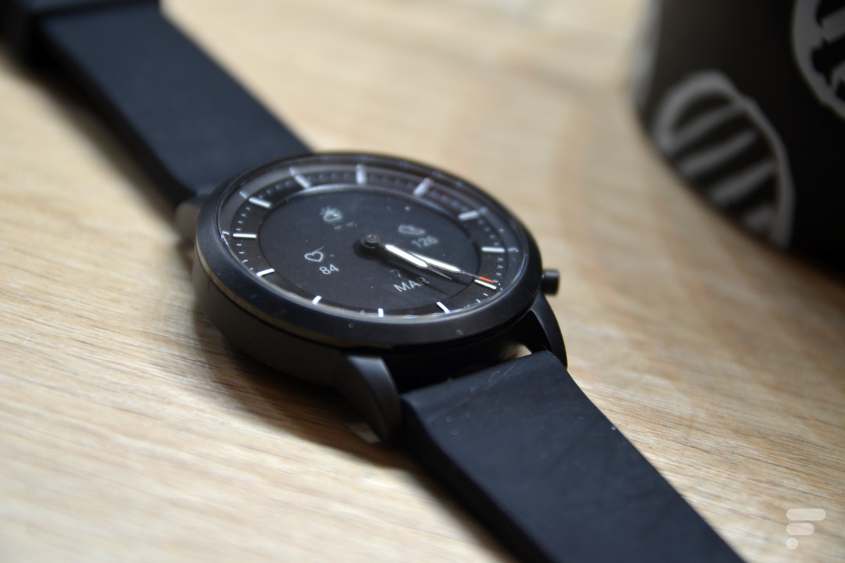 Une montre au style traditionnel pour plus d'élégance.