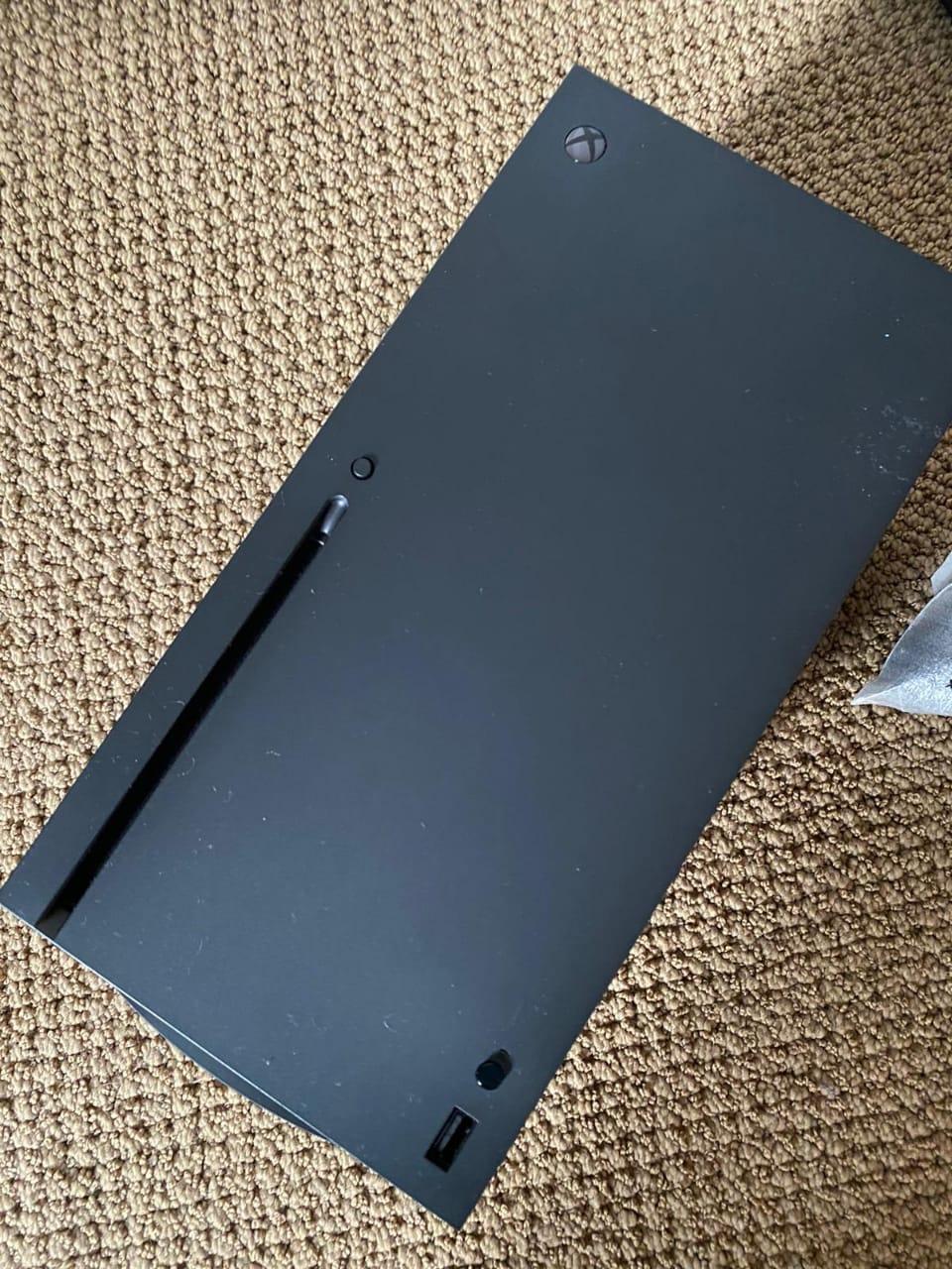 Xbox Series X : les premières photos d'un prototype en fuite