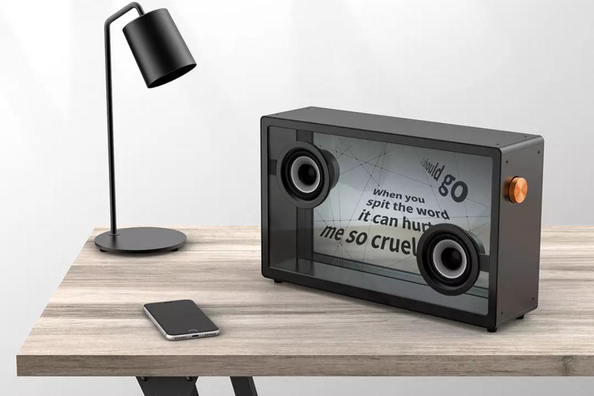 Xiaomi Morror Art : une enceinte Bluetooth avec écran transparent, idéale pour le karaoké