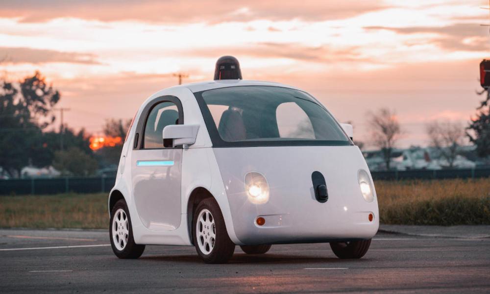 Voici l'une des fameuses «Google Car», la voiture sans conducteur de Google (Waymo)