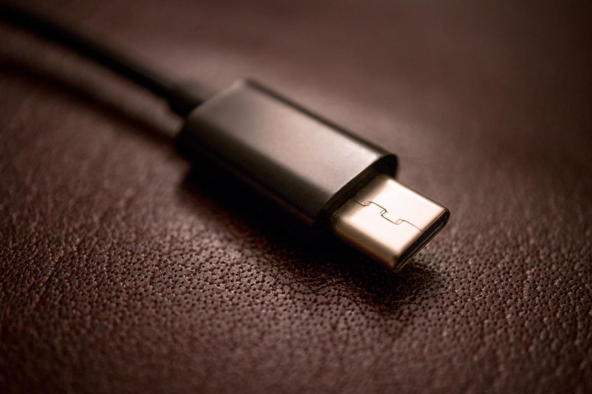 USB-C 2.1 : nouveautés, 8K, charge à 240 W et préparations pour l'USB 4