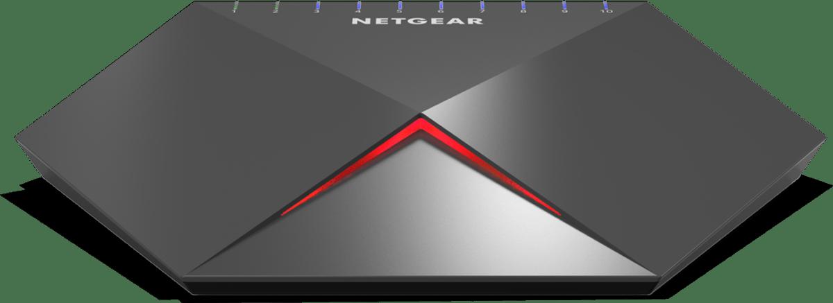 Le switch NetgearSX10 est quant à lui constitué de deux blocs de métal extrêmement robustes