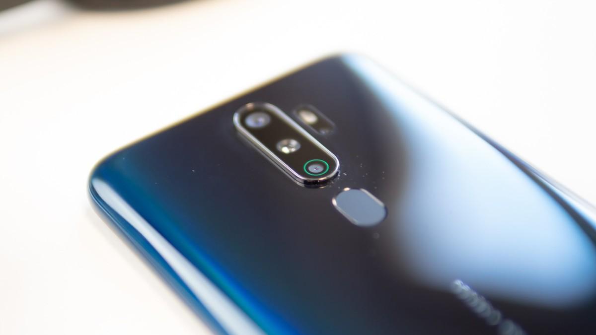 Avec ses quatre capteurs photo au dos, l'OPPOA9 2020 possède des caractéristiques de smartphone haut de gamme.