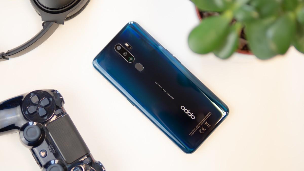 Coque en verre, capteur d'empreintes au dos, à moins de 300euros, l'OPPOA9 est un smartphone au design premium.