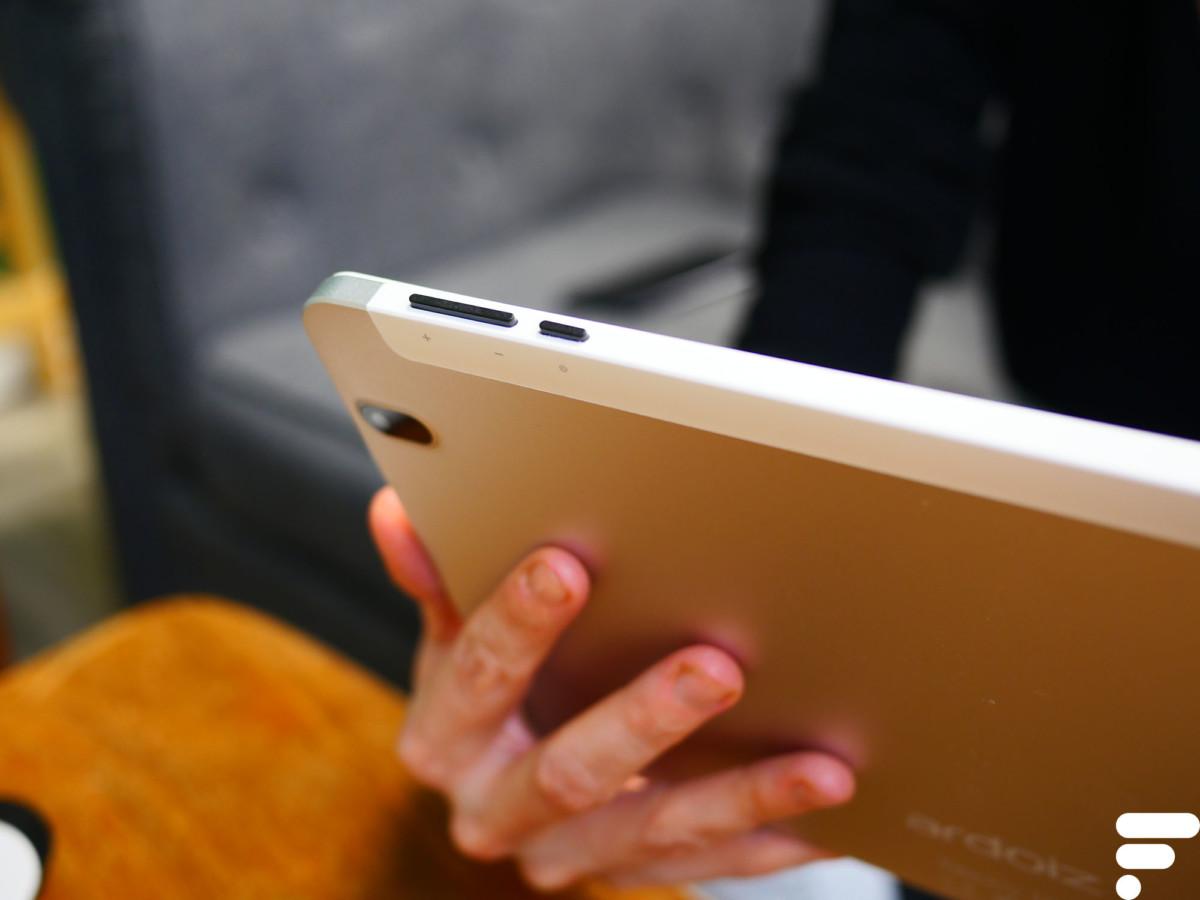Le design rappelle celui des tablettes classiques d'il y a maintenant quelques années.