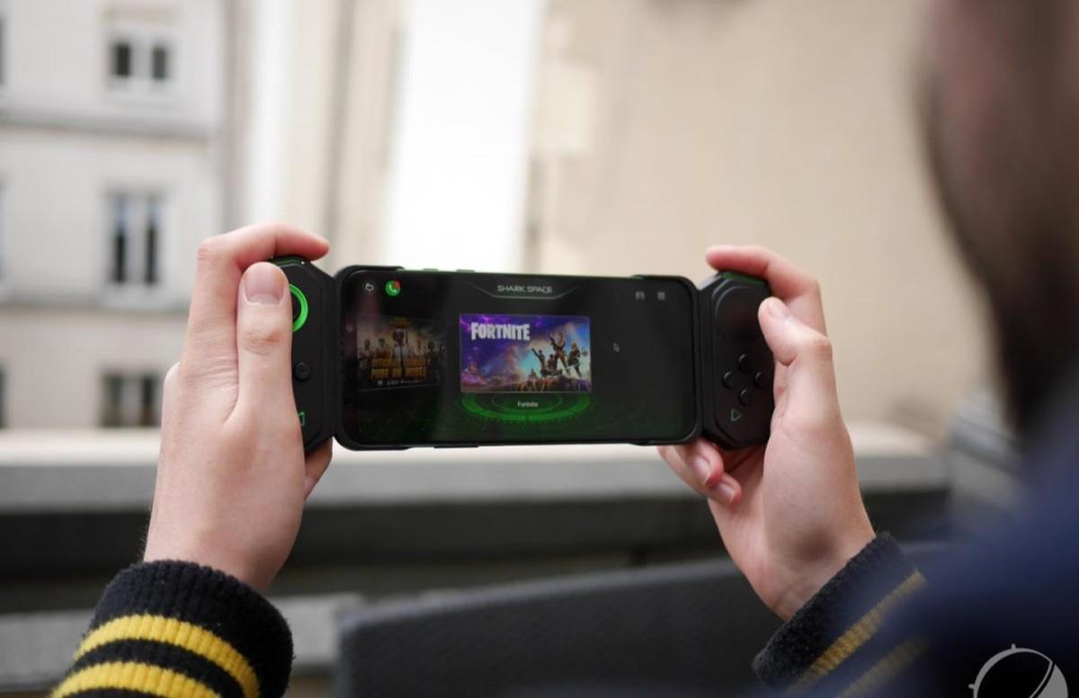 Mieux que la Nintendo Switch ? Le pack Black Shark 2 + Gamepad est en promo