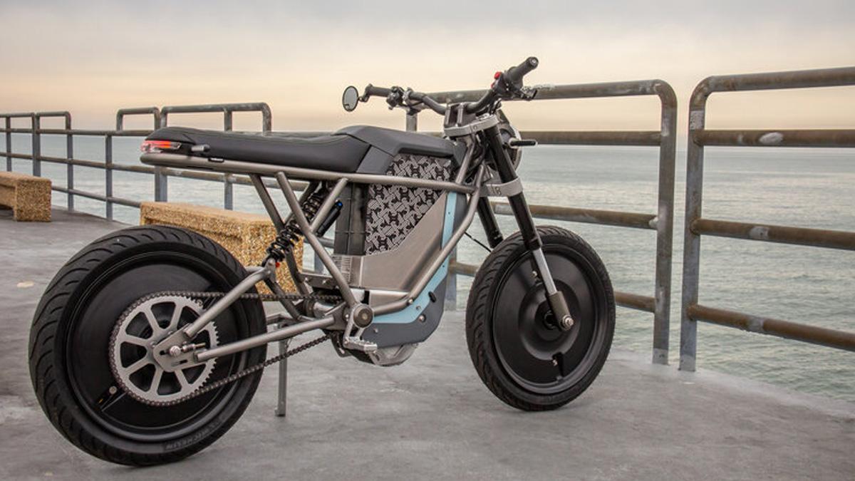La moto électrique Falcon BLK