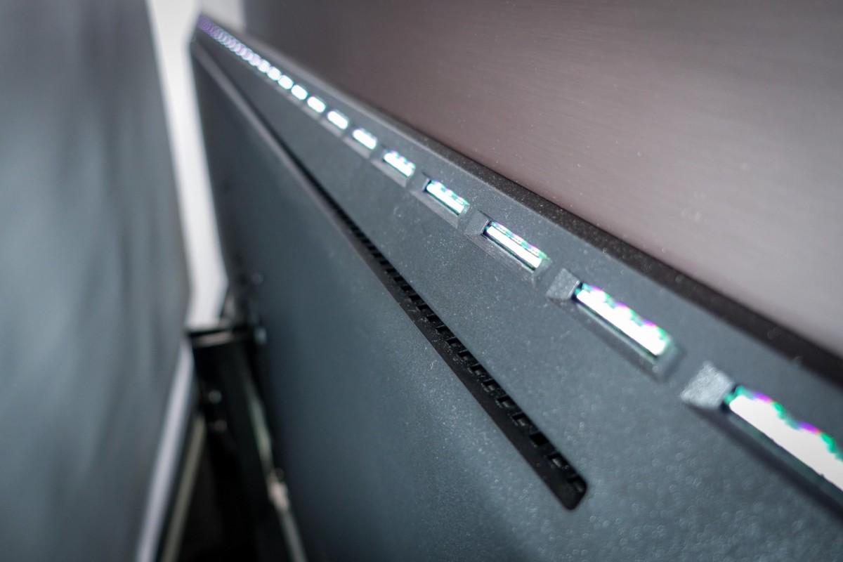 Les LEDs supérieures