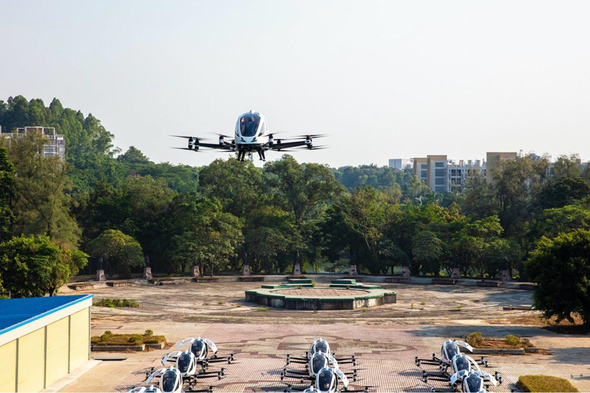 Vols urbains autonomes en Europe: feu vert pour tester les biplaces d'eHang