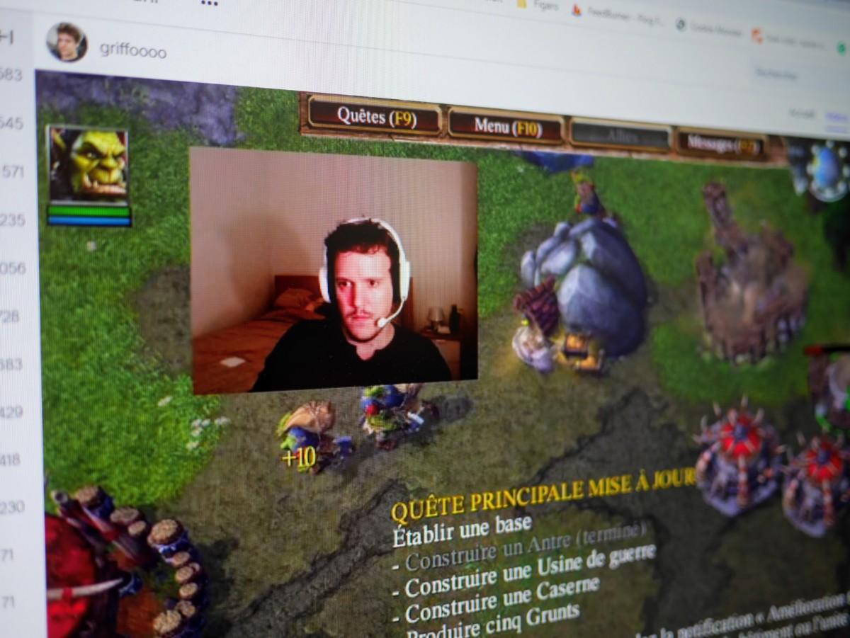 Une session de streaming de jeu vidéo sur Twitch
