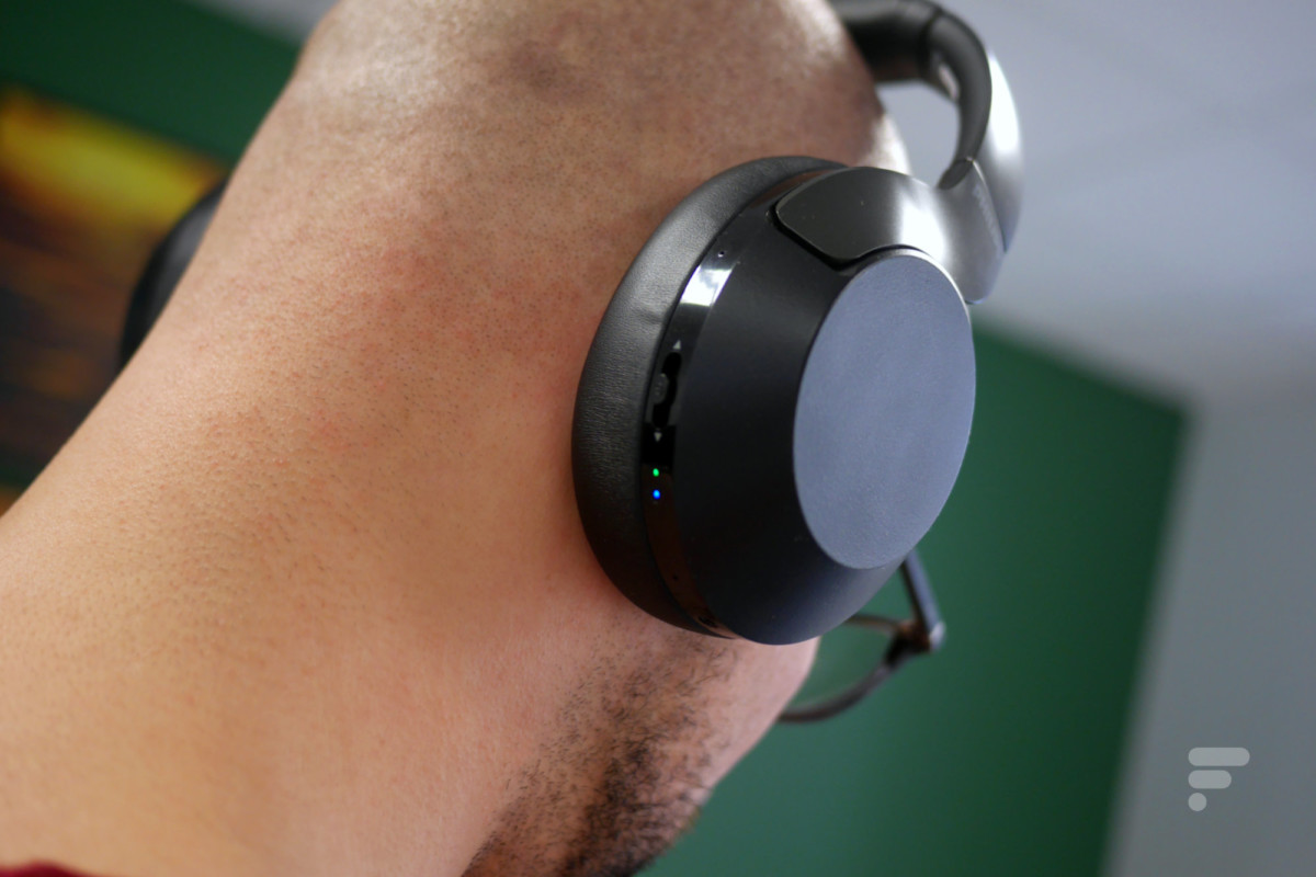 Philips PH805 : un bouton et des diodes à l'arrière