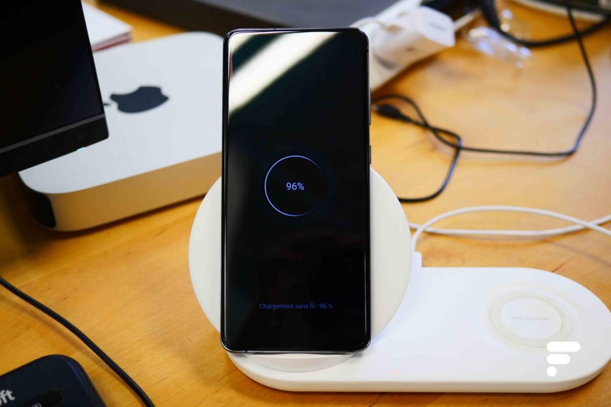 Le GalaxyS20 Ultra est compatible avec la recharge sans fil