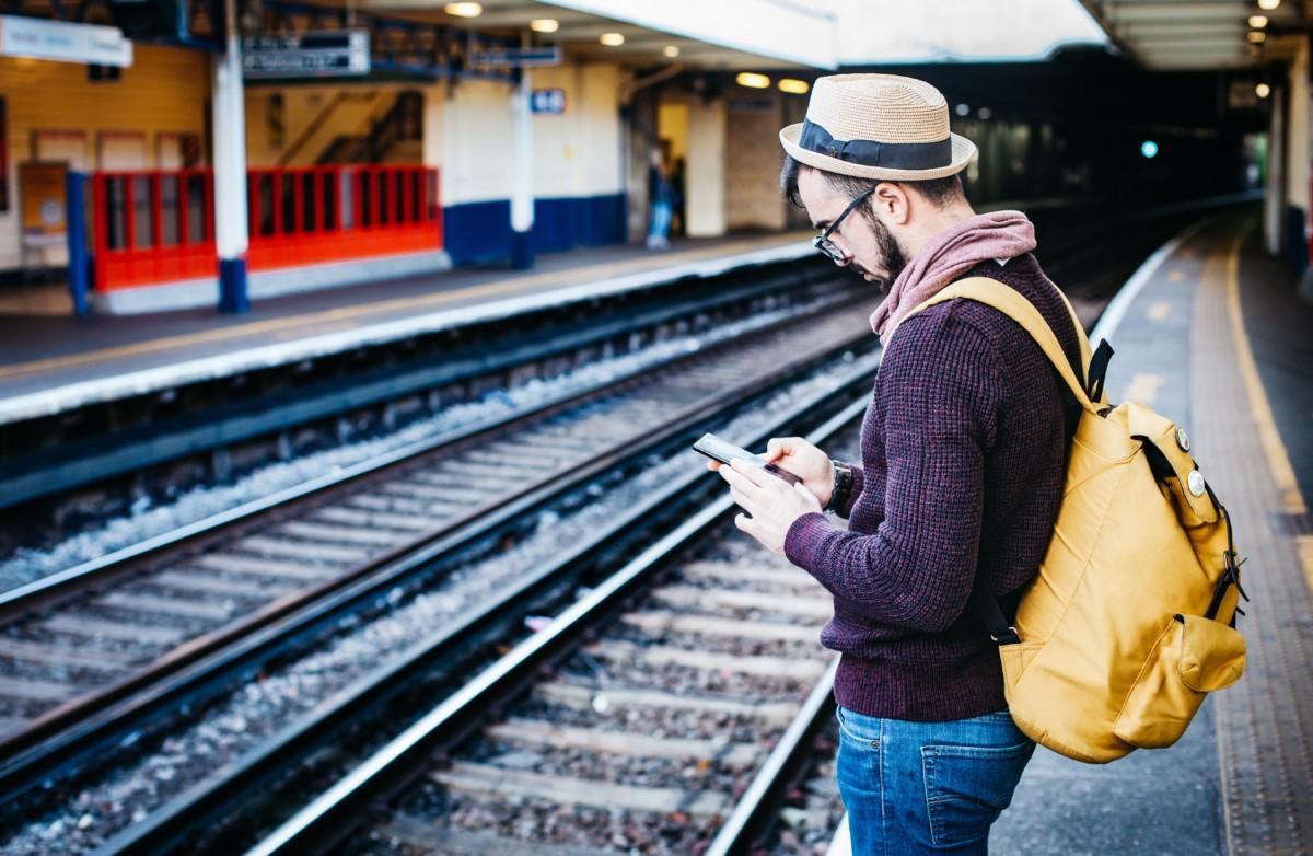 Vacances à l'étranger : voici 4 raisons de choisir la carte bancaire Hello Prime