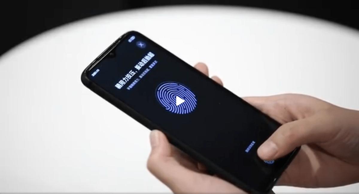 Capture d'écran de la vidéo de démonstration publiée par Lu Weibing, le patron de Redmi (Xiaomi)