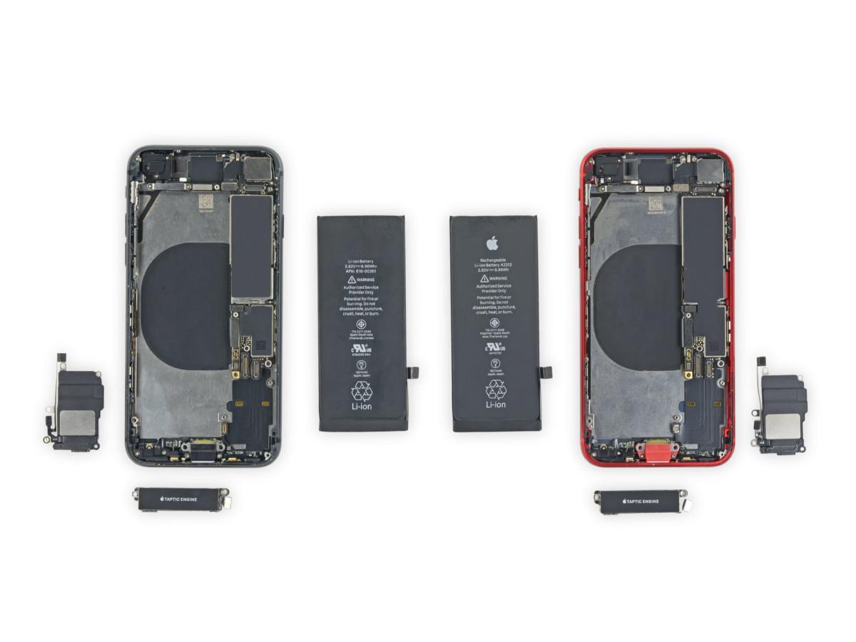 Iphone 8 till vänster, iPhone SE 2020 till höger