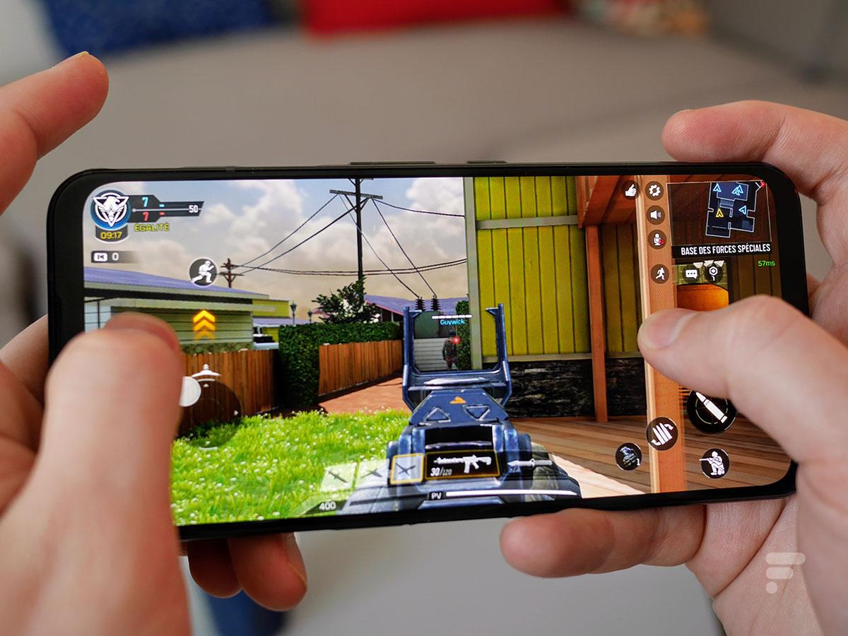 Les gâchettes virtuelles peuvent être utilisées dans les jeux sur le Nubia Red Magic 5G