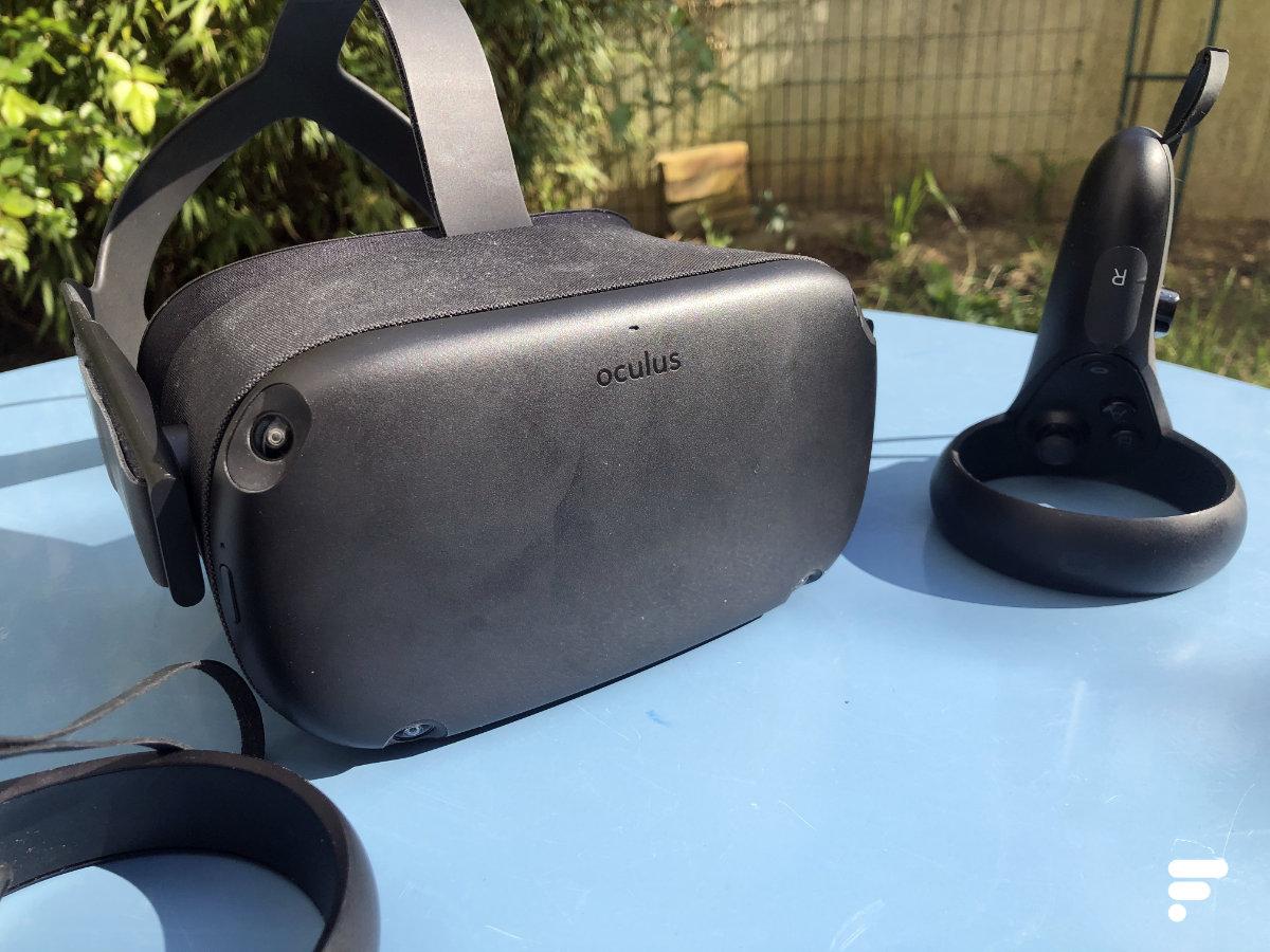 L'Oculus Quest et les deux contrôleurs Oculus Touch