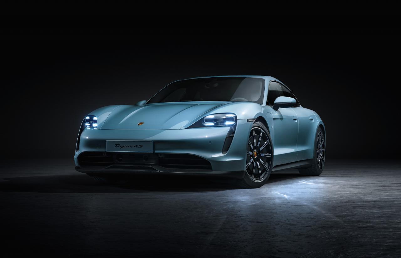 Porsche prépare une version d'entrée de gamme pour sa sportive électrique — Taycan