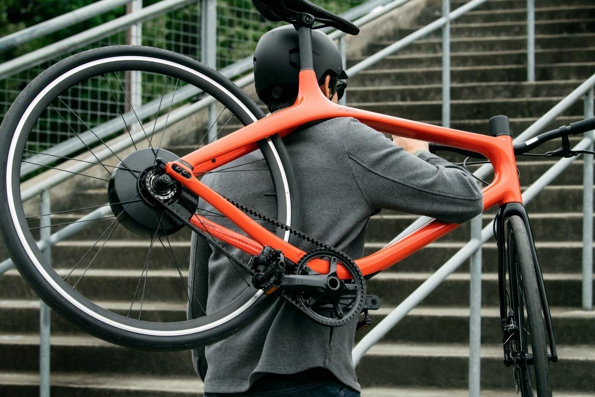 L'Eeyo sera relativement facile à porter grâce à son poids léger