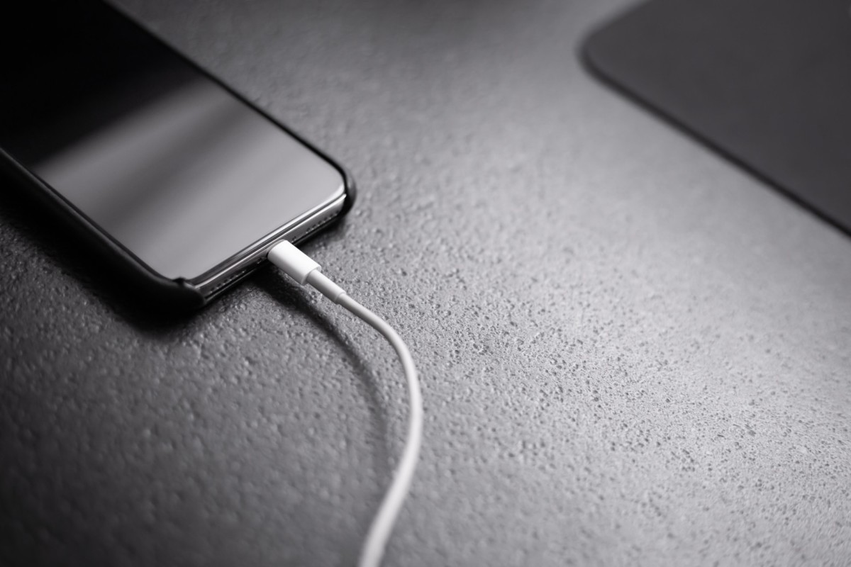 Un iPhone en charge