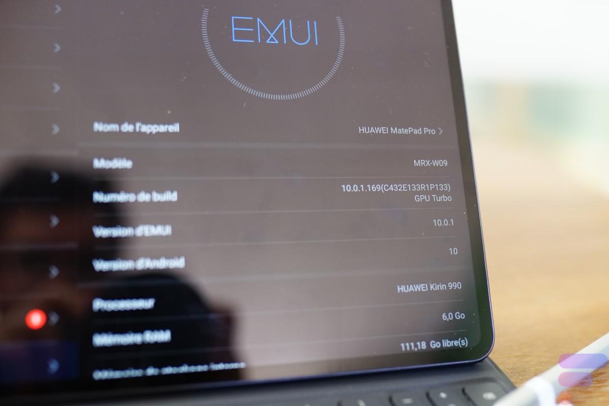 Nous avons eu trois mises à jour pendant les 15jours du test, la version EMUI est passée de 10.0 à 10.1