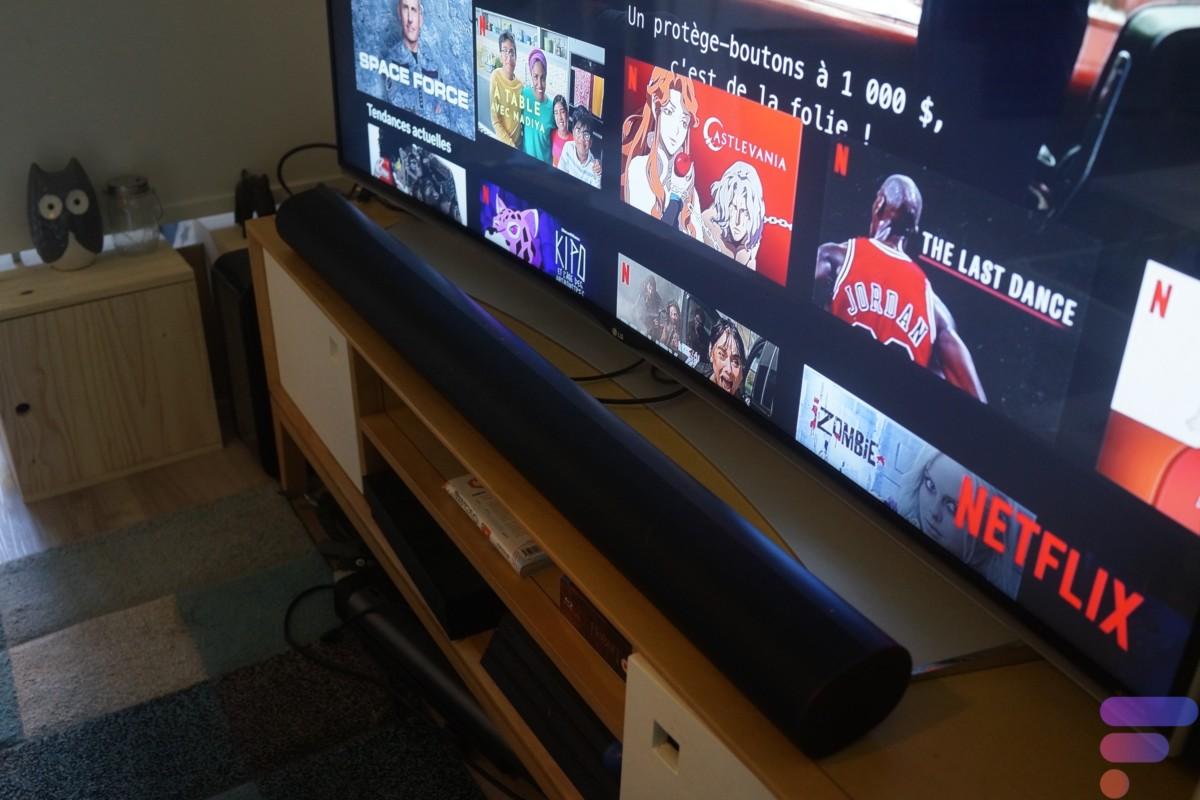 Voilà ce que cela donne avec une TV de 65 pouces, il vous faut également un peu de place sur le meuble TV